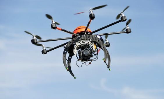Dron do fotografii nieruchomości, dla branży deweloperskiej