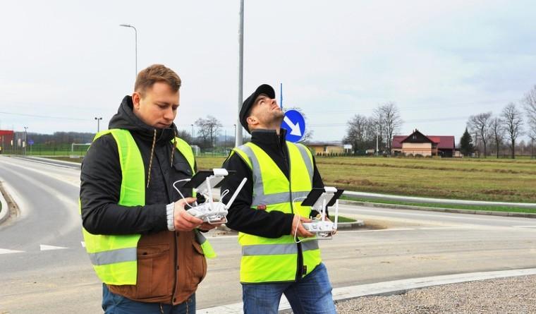 W trakcie filmowania dronem
