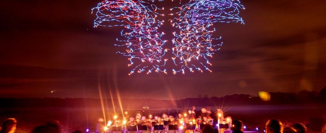 Intel i 100 dronów w powietrzu